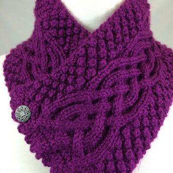 Neckwarmer Irish Celtic Knot Trinity Plum Fuchsia Handknit Purple