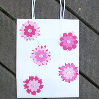 Fun pink flower gift bag