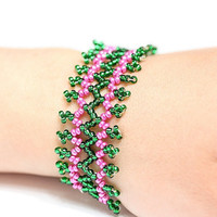 Beautiful bracelet in pink and green