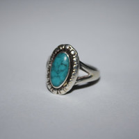 Flower inspired 5.5 Antiqued Sterling Silver with Oval Turquoise Stone Ring Vintage Sterling Silver Ring Size  5.5 - free ship US