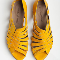 Gilly yellow flat sandals