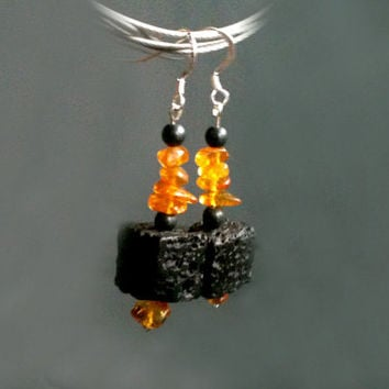 Honey amber, lava cubes & hematite dangle earrings, natural honey and black earrings