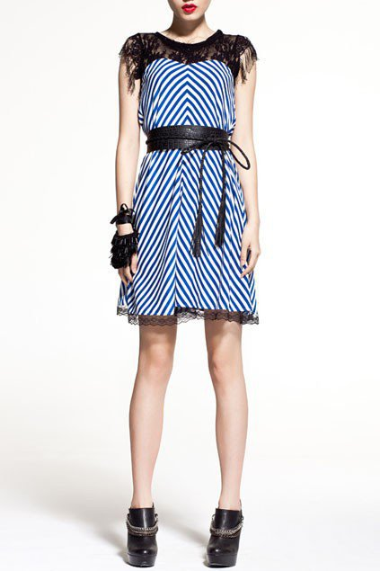 Lace Chiffon Dress with Contrast Color Diagonal Stripes - Oasap High Street Fashion
