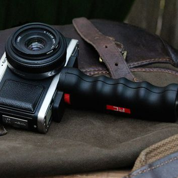 Pistol Grip Camera Handle