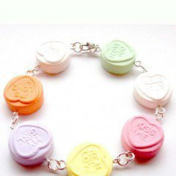 BITS AND BOWS Chunky LOVE Heart Bracelet - Love