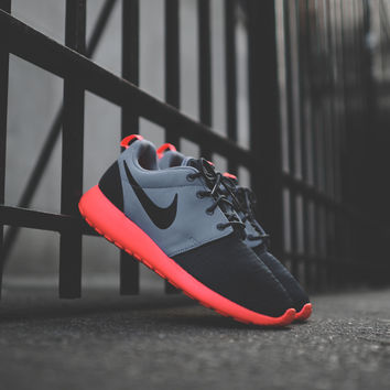 NIKE Roshe Run - Dark Magnet Grey / Black / Mango - Email Orders