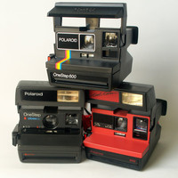 VINTAGE PACK O POLAROIDS Instant Collection Retro Cameras Set of 3 Red Cool Cam Rainbow One Step Land Camera Close Up