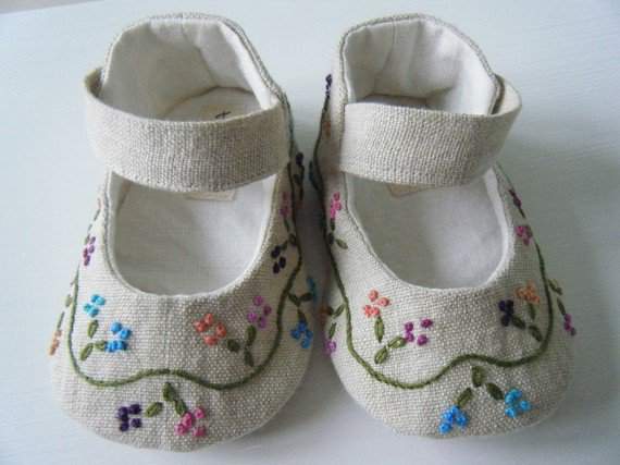 Clamfeet Organic Soft soled Baby Moccasins, Organic Baby Shoes. by Clamfeet. $ $ 24 5 out of 5 stars 5. Product Features you can wash and dry these shoes, yay! MoonBaby Organics Soft Sole Caramel Suede (Brown) Baby Moccasins. by MoonBaby Organics. $ $ 22 95 Prime. FREE Shipping on eligible orders.