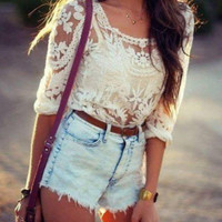 CUTE LACE BLOUSE