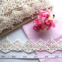 Embroidered trim, vintage style, cream, Flowers and bells, venise venice edging trim 5 yards NT081