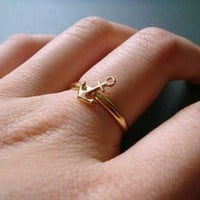 ahoy . gold . anchor stacking ring . size 7