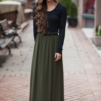 In the Spotlight Olive Skirt – Dress Up