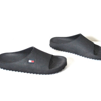 size 8 TOMMY HILFIGER lug sole sandals / vintage early 90s MINIMALIST grunge slip on black foam sandals