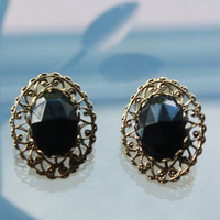 Beautiful black gem vintage gold border earrings