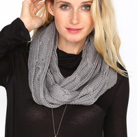 GREY CABLE KNIT INFINITY SCARF - one