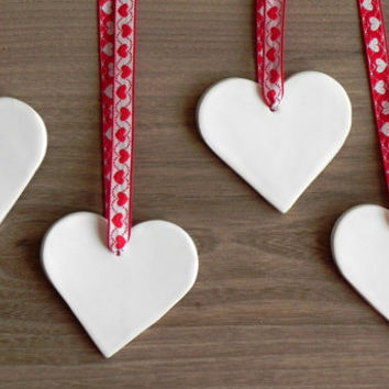Christmas Ceramic White Hearts Ornaments Minimalist Love Home Decoration Valentine Gift Set of 4