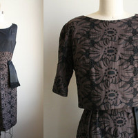 50s Wiggle Dress - Embroidered Eyelet Floral