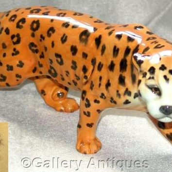 "Retired Beswick Large (12"" length) Earthenware Leopard Model 1082 Designed by Arthur Gredington issued 1946 - 1975, c1950's (a) (ref: 3130)"