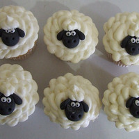 Sheep Cupcakes | Cute Cupcakes | CutestFood.com
