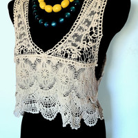 Gorgeous Vintage Women Boho Crochet Bolero Vest Off - White fashion Top Singlet Handmade.