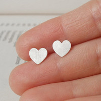 sterling silver Sweet Heart earring studs handmade by huiyitan