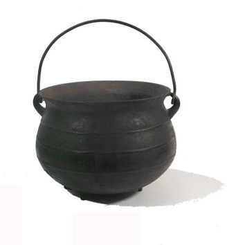 Witch Cauldron, Cast Iron, Vintage Home Decor, Halloween, Spooky Costume Accesory, Trick-or-Treat, Prop