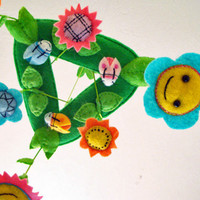 Baby Crib Mobile - Baby Mobile - Flowers - Baby Facing