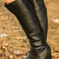Shopping In Soho Boots-Black