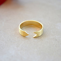 Arrow Band Ring - Gold – ShopCivilized