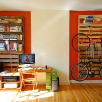 DIY Bookshelf And Bike Rack Of Wood Pallets | Shelterness