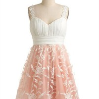 Lovely A-line Pleated Bodice with Lace Applique Tulle Knee Length Prom Dress PD1959
