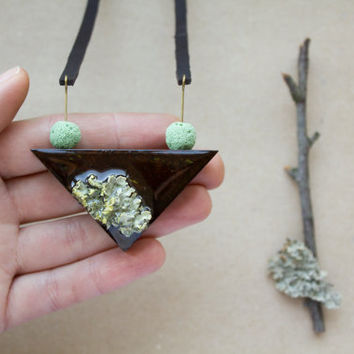 Moss pendant - Wood necklace - Plant jewelry - Geometry necklace