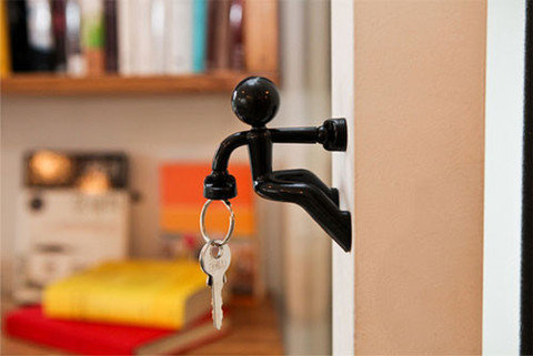 USBGeek — The Magnetic Man Key Holder