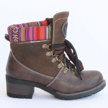 TRIBAL KNIT TRIM LEATHER BOOTS