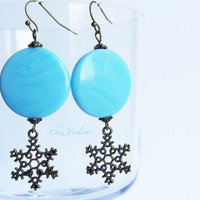 Snowflake earrings - Disc earrings - Sky Blue fresh mint earring - Glass beads - Christmas earrings