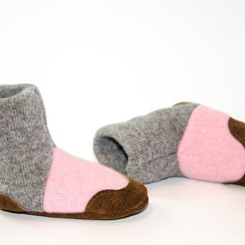Wool Baby Shoes, Toddler Slipper Boots, Eco Friendly Wool And Soft Non Slip Leather Soles.  Sizes: 0-12M, 6-18M & 12-24M,  Green Earth