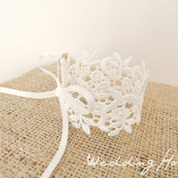 bridal accessory, Lace Bracelet, bridal jewelry, cream, ivory, Bride,smaids Accessories,wedding, bridal, lace, jewelry, floral,