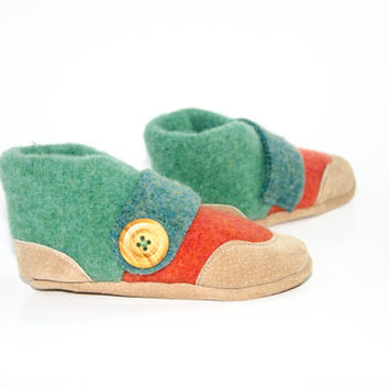 Baby Wool Slippers, Recycled Wool Slippers, Toddler Moccasin, Baby Cashmere Shoes.  Sizes: 0-12M, 6-18M & 12-24M.  Antique!