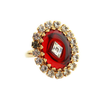 Ruby Red Glass Cabochon Ring /Vintage Jewelry/ Statement Ring