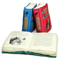 Olde Book Pillow Holiday Classics - Nutcracker and Mouse King