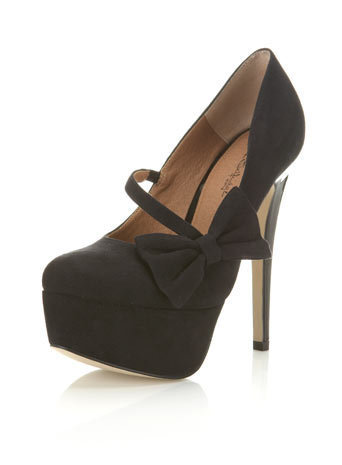 Saffi Black Closed Toe Court - Shoes