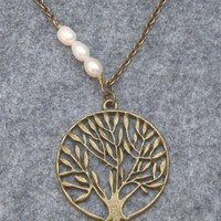 TREE PENDANT & FRESH WATER PEARL NECKLACE