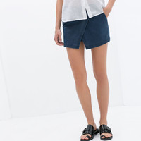 SHORT WITH POCKET