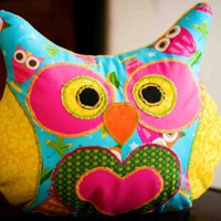 Lola Hoodie Owl Pillow on Luulla