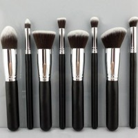 BESTOPE Premium Synthetic Kabuki Makeup Brush Set Cosmetics Foundation Blending Blush Eyeliner Face Powder Brush Makeup Brush Kit (8pcs, Silver Black)