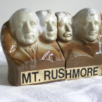 mount rushmore salt and pepper shaker