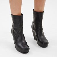Totokaelo - Rick Owens Black Pull On Boot - $1,418.00