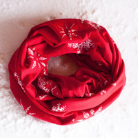 Snowflakes Infinity Scarf, Holiday Red Christmas Scarf, Snow Flake Winter Wonderland Infinity Scarf, Festive Scarf