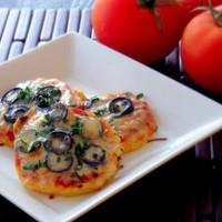 Poor Girl Eats Well: Recipe: Polenta Mini Pizzas with Mushrooms & Olives
