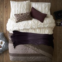 Layered Bed Looks - Cozy Cottage